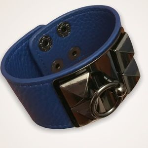 💫4/30 Faux Leather Blue Chrome Snap Cuff